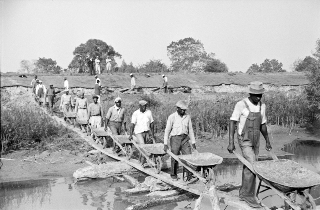 Levee workers in Plaquemines Parish, 1935